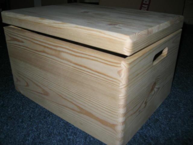 Skrzynki drewniane (kuferki) kupię.
