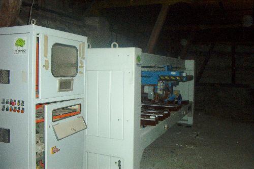 Maszyna renomowanej firmy - producenta maszyn i na