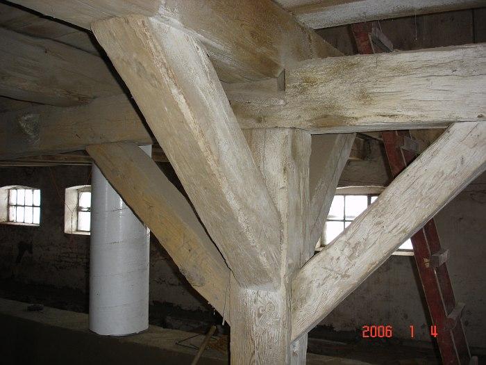100 letnie belki stropowe