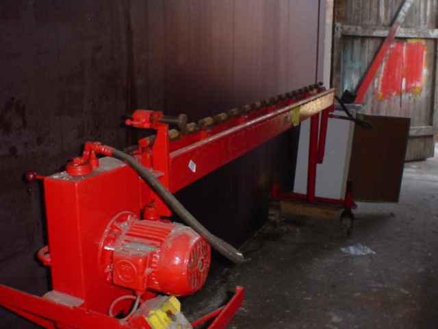 Giętarka hydrauliczna do drutów zbrojeniowych