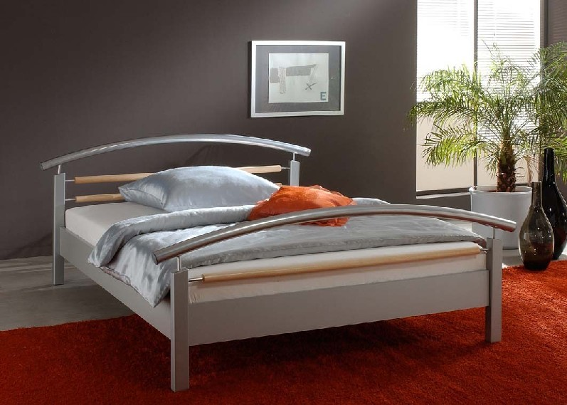 łóżka 60euro za szt.