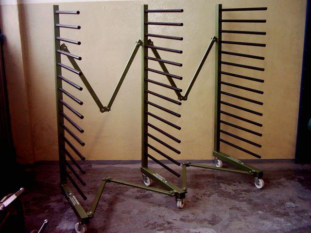 HUSARZ 3 - Wózek / Regał lakierniczy na kółkach