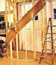 Prasa do schodów giętych