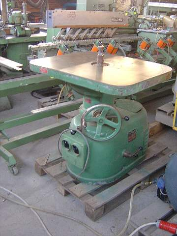 P05 Frezarka stołowa BAURLE