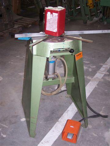 Gilotyna pneumatyczna do szprosów firmy KATHAFER
