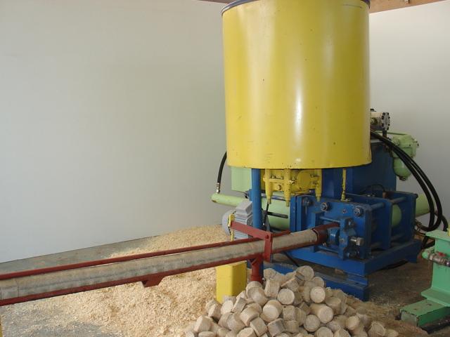 Brykieciarka Hydrauliczna I Mechaniczna