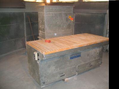 Stół do szlifowania z wyciągiem pyłów
