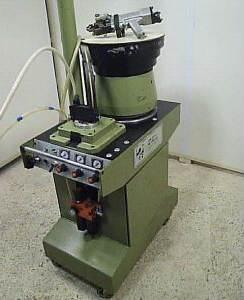 131 Automat do obsadzania kołków SCHLEICHER SPINAM