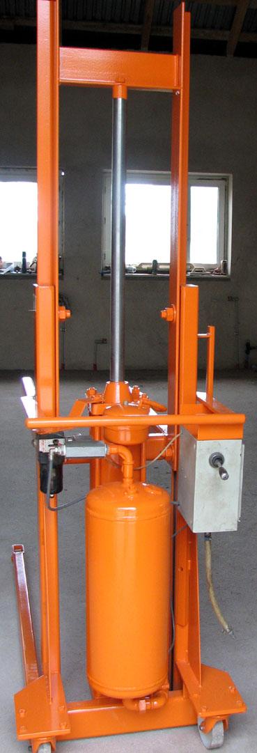 Wózek paletowy ręczny pneumatyczny firmy duńskiej