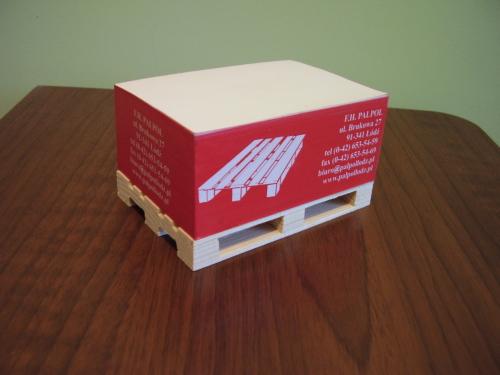 Bloczki z nadrukiem na mini paletkach 12*8*5cm.