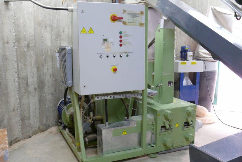 brykieciarka UMP do produkcji brykietu kostki RUF
