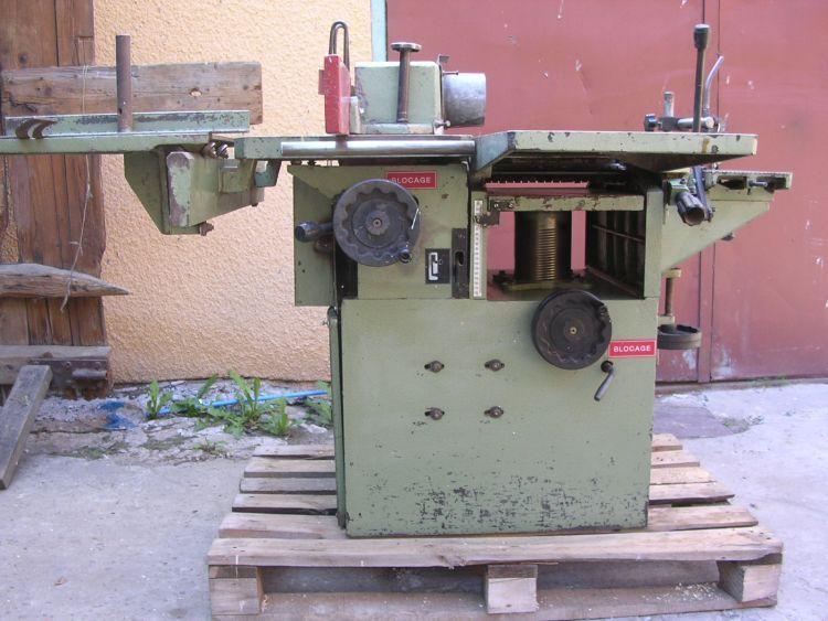 Maszyna wielooperacyjna
