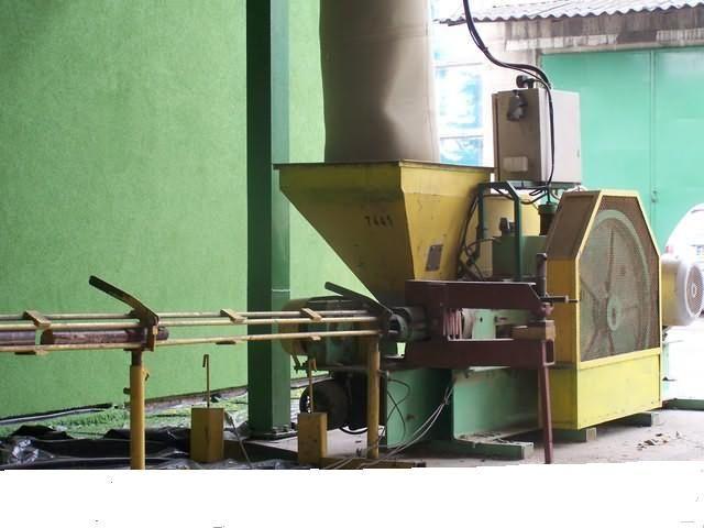 Brykieciarka tłokowa (trocina ,słoma)250-300 kg/godz