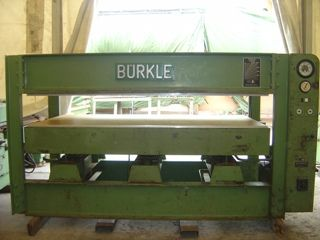 640 Prasa do forniru Burkle