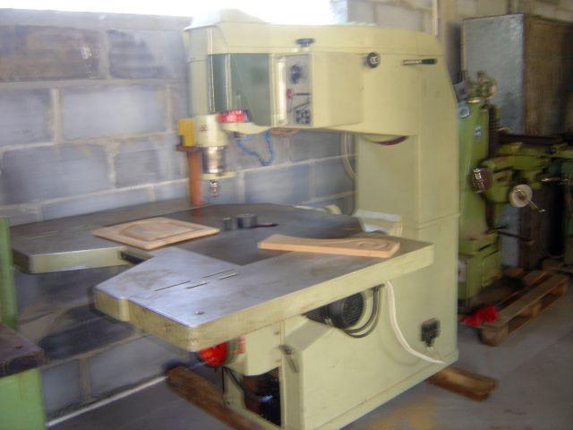 761 Frezarko-kopiarka górnowrzecionowa SCM R9