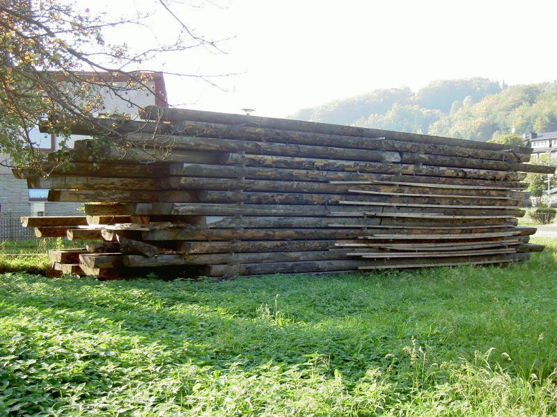 Bale, płazy, drewno na dom