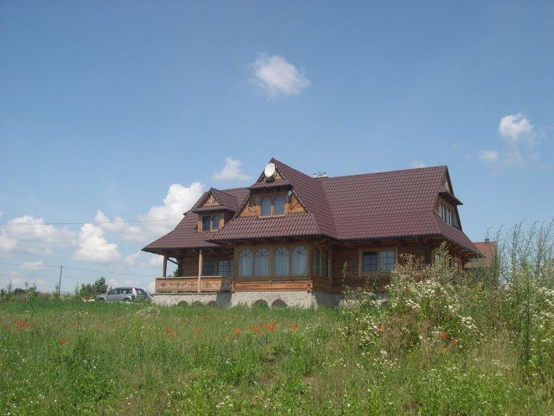 dom z bali modrzewiowych pod Krakowem