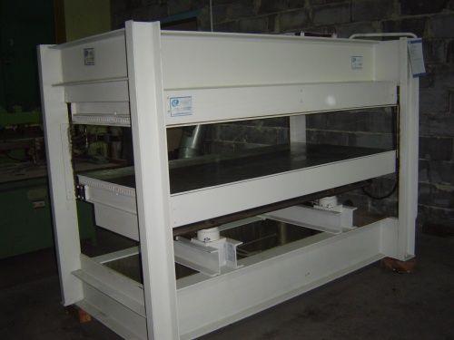 Prasa półkowa hydrauliczna JOSS
