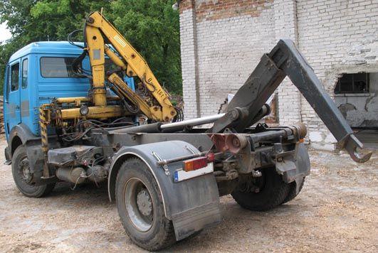 Samochód ciężarowy hakowiec