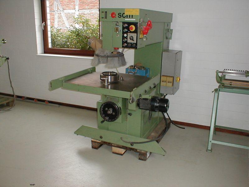 Frezarko-kopiarka górnowrzecionowa  SCM R9N