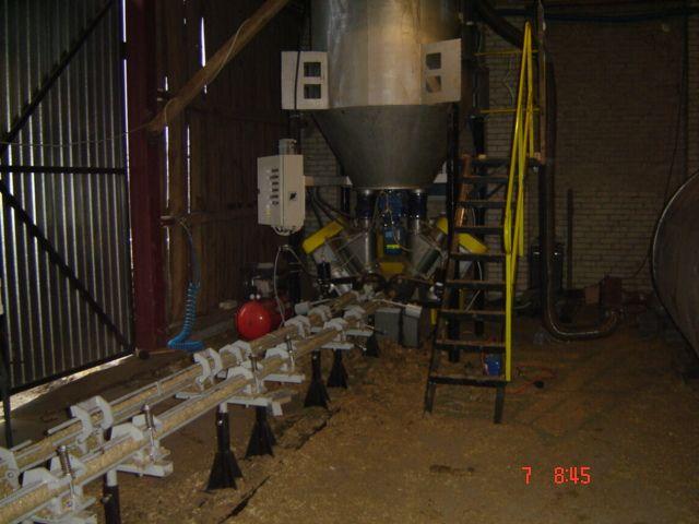 Brykieciarka, Suszarnia, Rozdrabniacz cała linja do produkcji brykietu ze slomy i trocin.