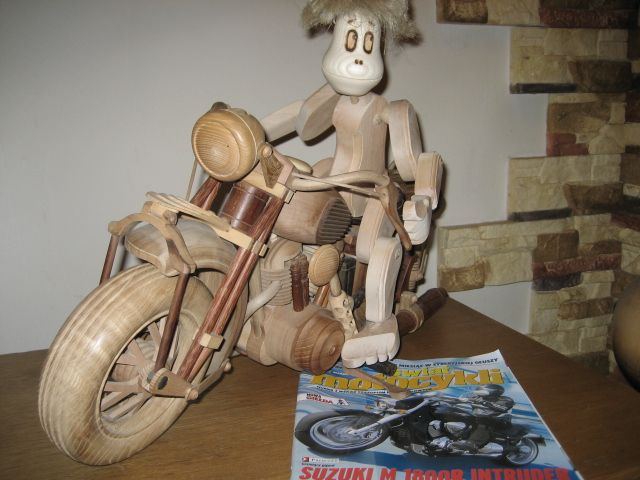 upominki,zabawki,śruby drewniane