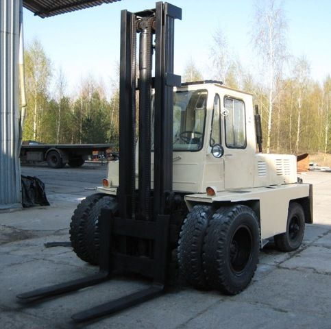 Wóżek widłowy LWÓW (diesel) - terenowy