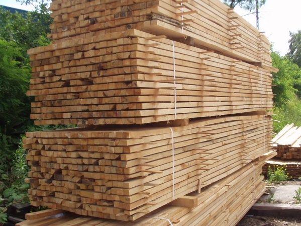 Sosna - drewno na potrzeby budownicta