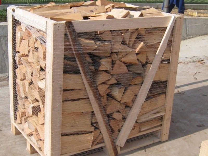 Kontraktowe zakupy suchego drewna kominkowego w skrzyniach 1 metr i workach