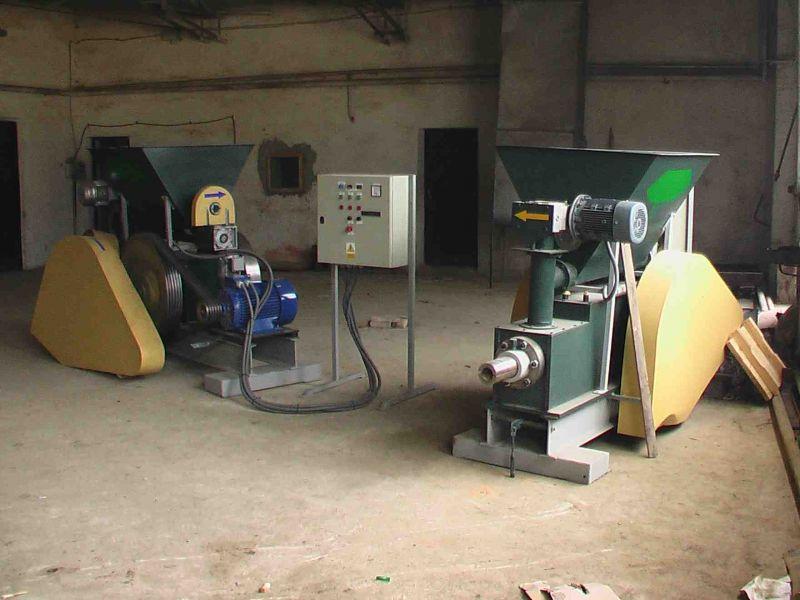 Brykieciarka do produkcji brykietu ze słomy oraz trociny
