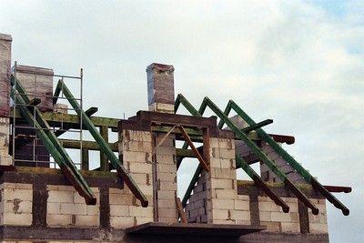 Więźby dachowe, drewno budowlane, doniczki
