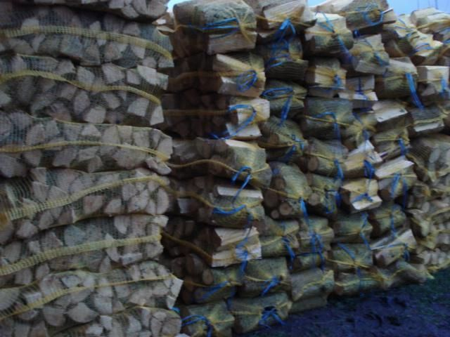 sprzedam drewno opałowe w workach raszlowych