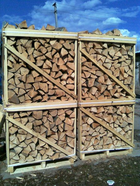 Firewood (beech) it is made, we sell. Delivery from Ukraine.