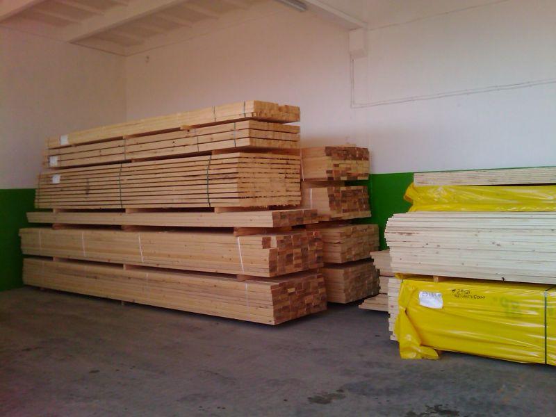 Oferujemy Drewno  suszone komorowo (świerk).