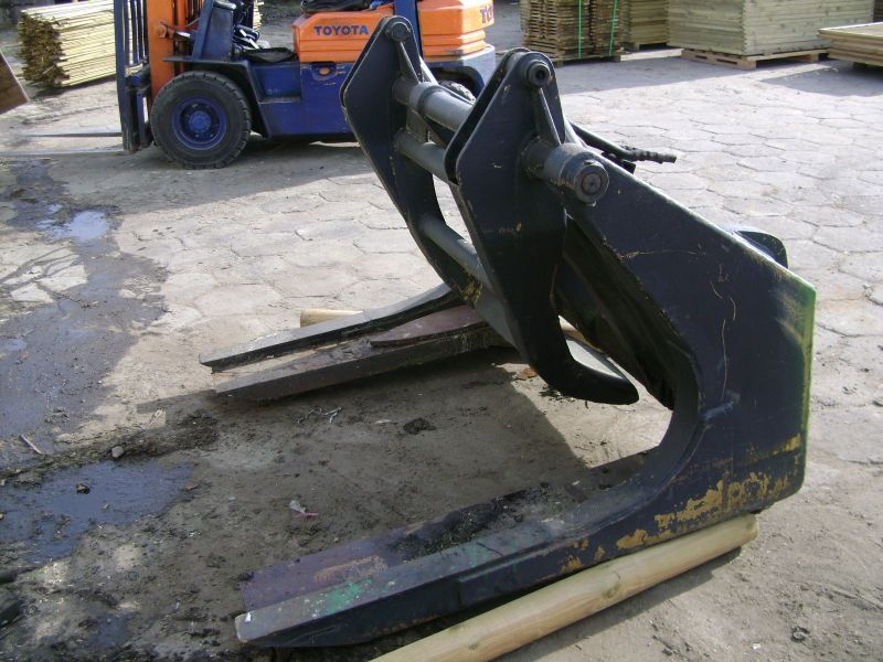 Chwytak do drewna Volvo BM , Ifron , inny ładowacz itp.   2500 zł.