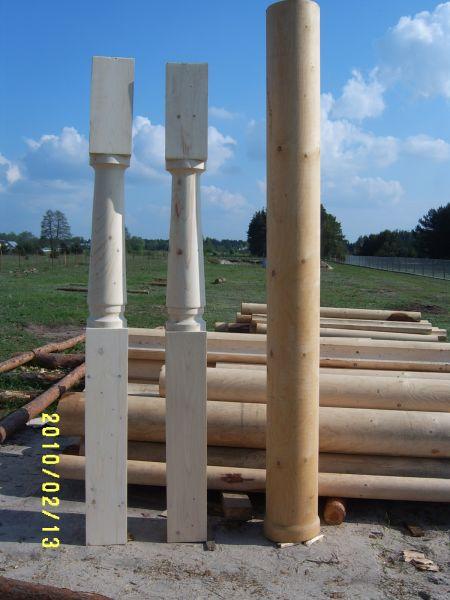 Kolumny, filary drewniane, bale toczone