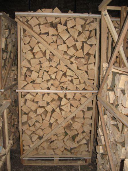 Drewno kominkowe lupane z Ukrainy