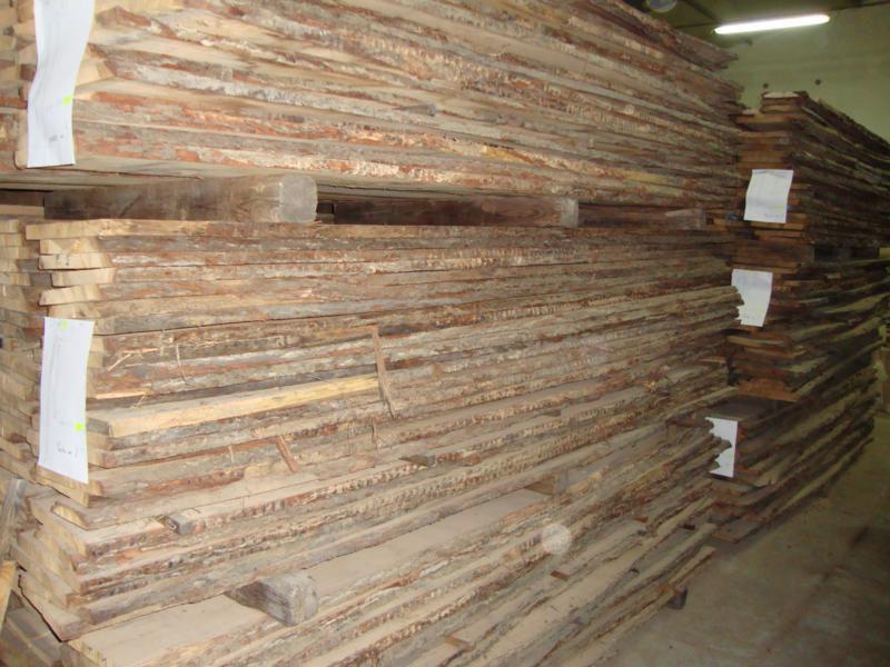 Tarcica  stolarska  sucha  10 %  z  wyprzedaży  zakładu Dąb.