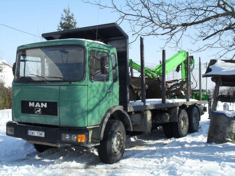 Sam. Ciężarowy specjalistyczny MAN 19320 -przewóz drewna