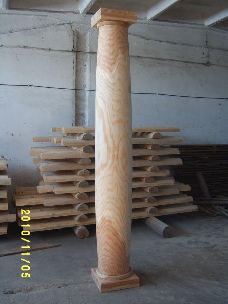 Kolumny drewniane, bale toczone