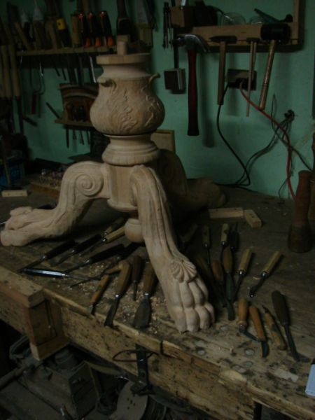 Podejmę współpracę w zakresie rzeźby w drewnie