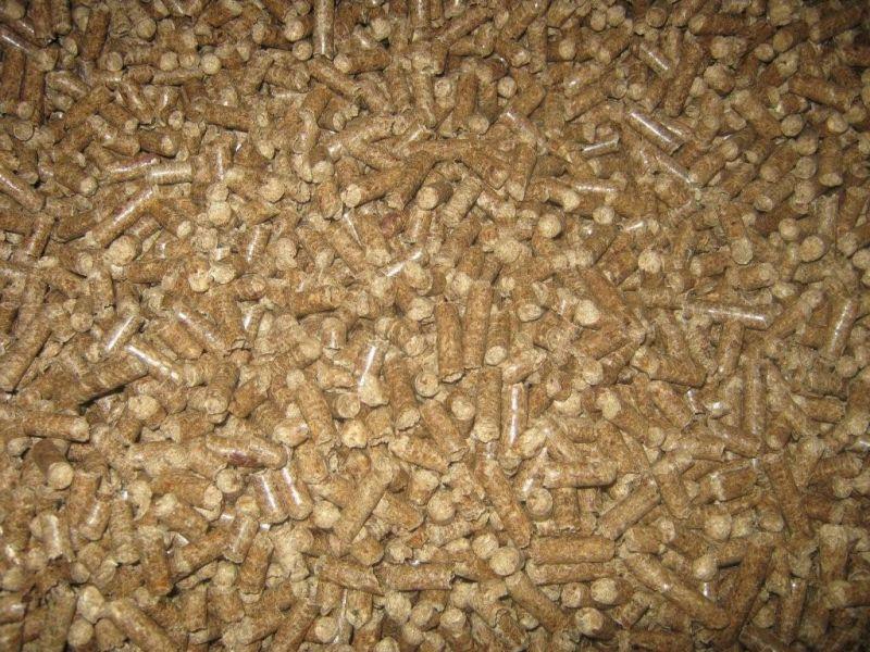 Sprzedaży HURTOWY pellet drzewny przemyslowy 6-8mm big bag1t .Dostawa.