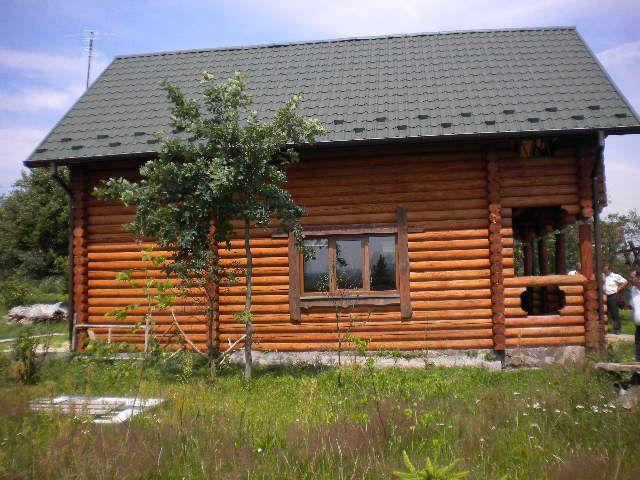 Ukraina-domy z bali-drzewo z Karpat