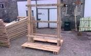 Stojaki drewnaine , jednorazowe do transportu okien i szyb