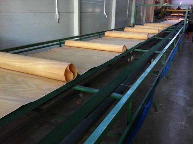 Linia do obwodowego skrawania drewna