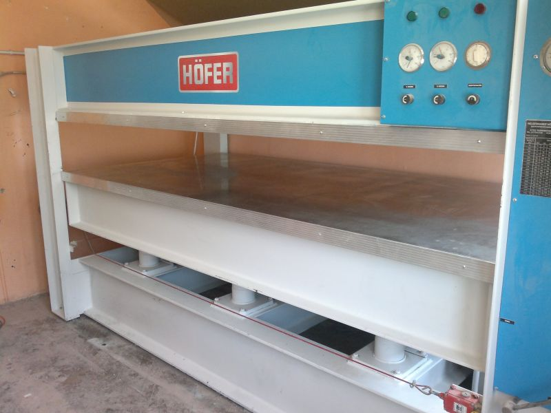 Prasa półkowa hydrauliczna HOFER do fornirowania