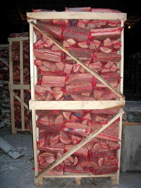 Drewno kominkowe w skrzyniopaletach i workach z Ukrainy