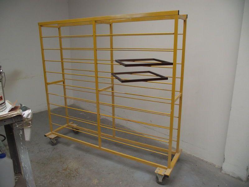 Wózek etażowy do suszenia elementów w lakierni