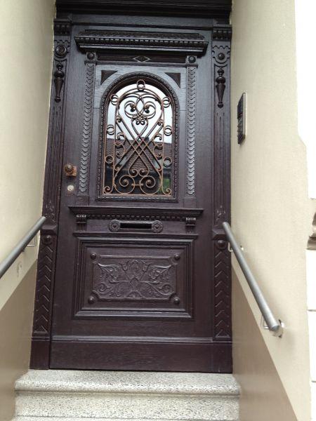 Elementy rzeźbione do drzwi