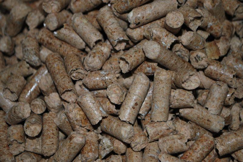 Sprzedam pellets drzewny pakowany w worki